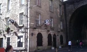 120415 Edinburgh RnR Cowsgate 1
